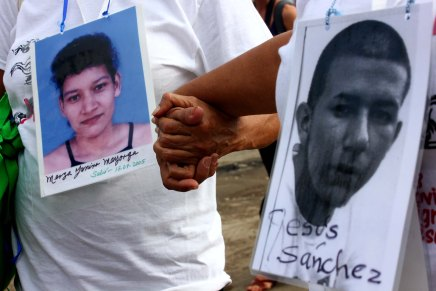 La X Caravana de Madres se solidariza con los familiares de los 43 desparecidos enAyotzinapa
