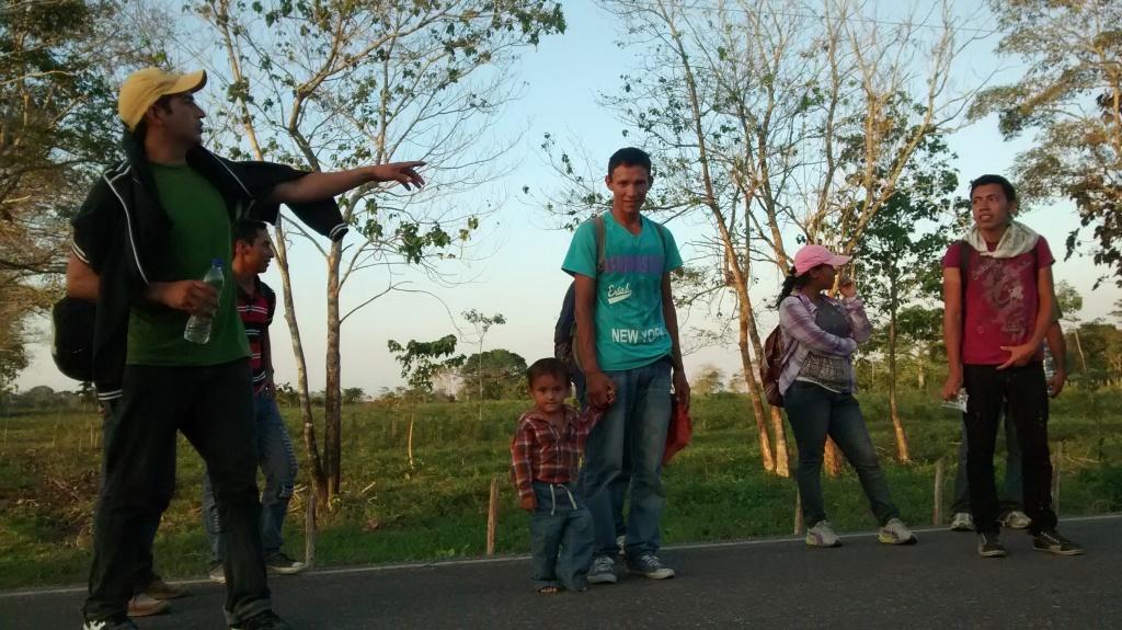 Familias procedentes de Centroamerica se desplanza por las rutas migratorias en Mexico. FOTO: @MMMesoamericano
