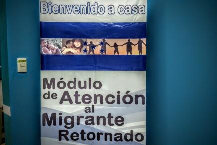 """Seguiremos deportando mas hondureños"" Secretario de Seguridadestadounidense"