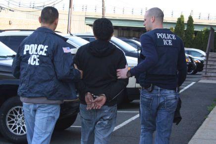Denuncia primeras redadas contra migrantes en EstadosUnidos