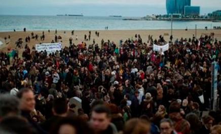 "Miles protestan en España contra ""racismo e indiferencia"" haciamigrantes"