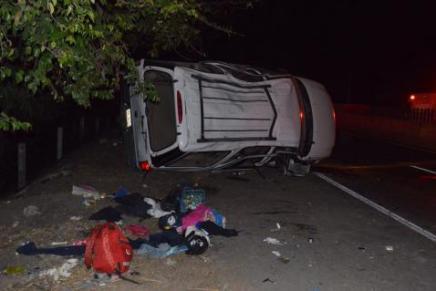Un muerto y 10 heridos tras persecución de Policia Federal a camioneta conmigrantes