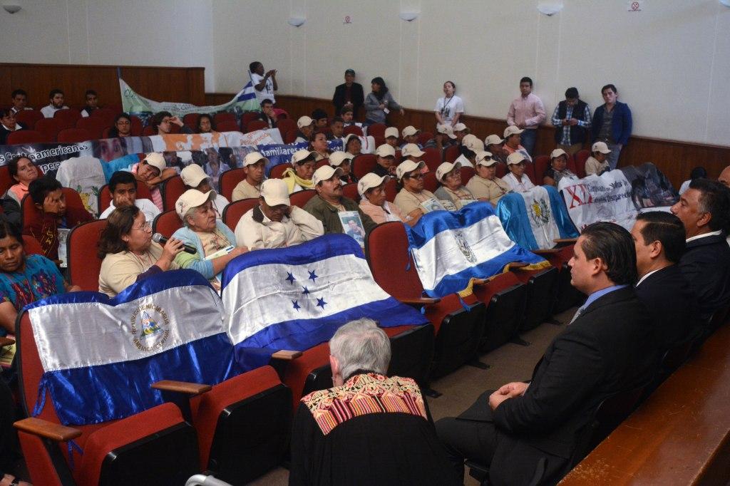 La caravana de madres centroamericanas se reúne con autoridades estatales y federales en San Luis Potosí. Foto: Brenda Santos de la C.