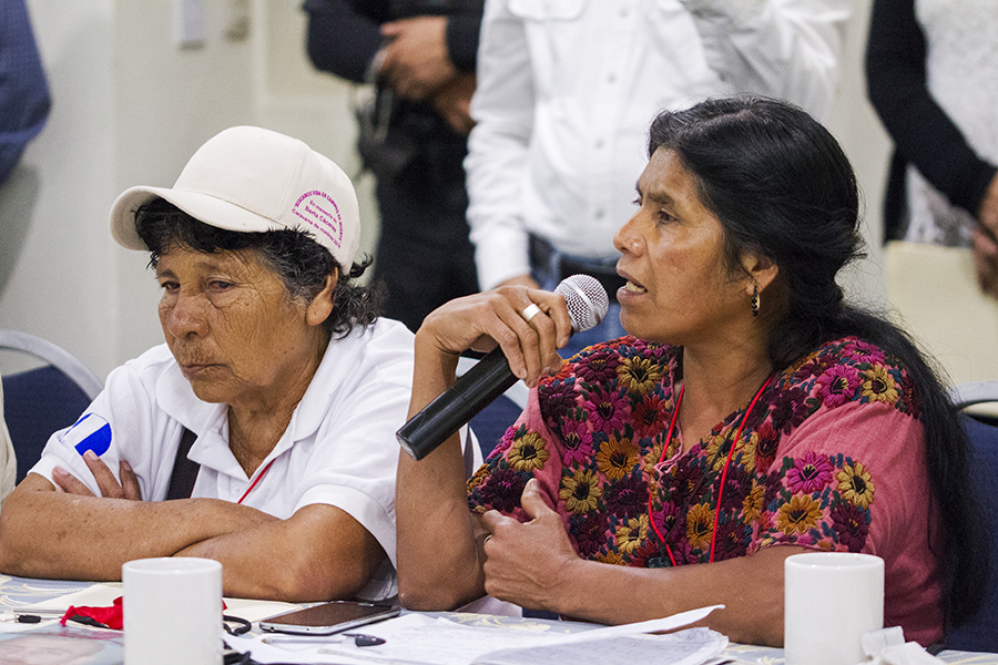 La caravana de madres se reúne con autoridadades de Tabasco