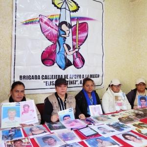 Encuentro de la caravana de madres con la Brigada Callejera, Ciudad de México. Foto: Maya Averbuch