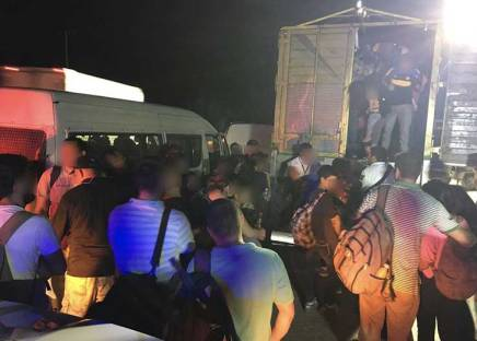 Trafico de personas: detienen en Tabasco trailer con 94 migrantes entre ellos 43menores