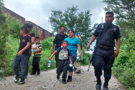 Deportan desde Mexico y EEUU a 9 mil niños migrantes salvadoreños en el2016