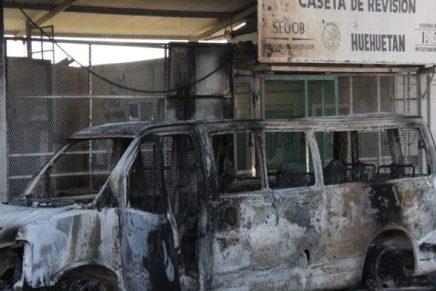 """Queman puesto de control migratorio en Mexico entre protestas por el """"gasolinazo"""""""