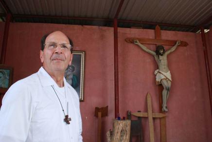Amenazan de muerte al @padresolalinde defensor de losmigrantes
