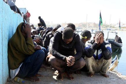 Denuncian que migrantes son vendidos como esclavos enLibia