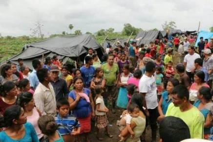 ALERTA: Ejercito guatemalteco desplaza a una comunidad entera, se refugian enMexico