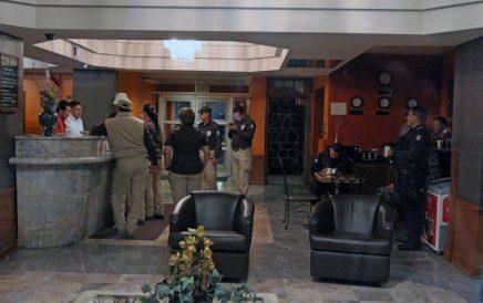 Irrumpen autoridades federales en hoteles de Guanajuato en busca de migrantes centroamericanos