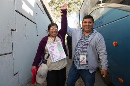 Justina Hernández, de Honduras, viajó a Mexicali, para encontrarse con su hijoJavier.