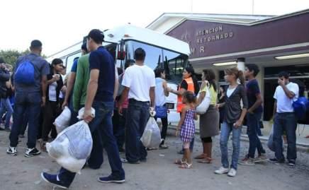 Masiva deportacion de migrantes hondureños en los primeros dias delaño