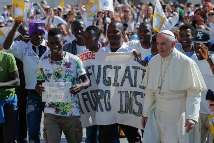 El Papa Francisco celebra la Jornada Mundial del Migrante y el Refugiado en medio de latragedia
