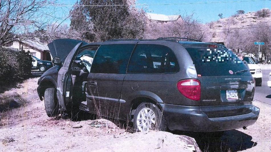 """Arrestan a """"niño coyote"""" cuando intentaba cruzar a 12 migrantes a los EstadosUnidos"""