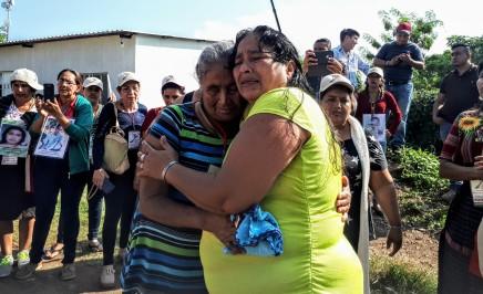 El ritual de los reencuentros en la caravana de madres centroamericanas