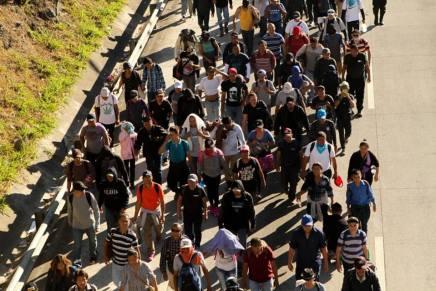 """Mas de 10 mil personas migrantes se acogen a programa de """"visas humanitarias"""" enMéxico"""